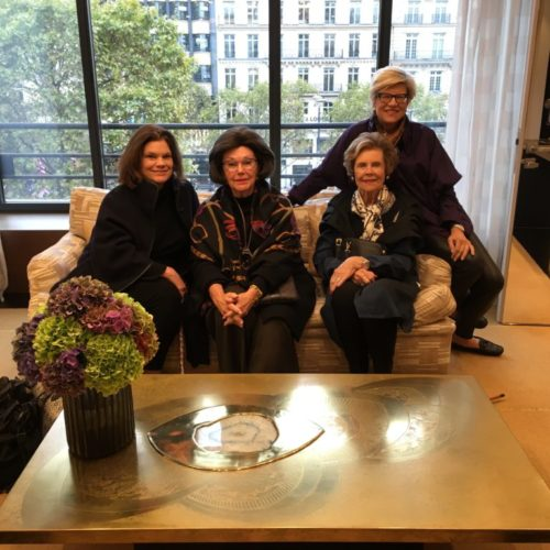 Louis vuitton shopping; mothers & daughters